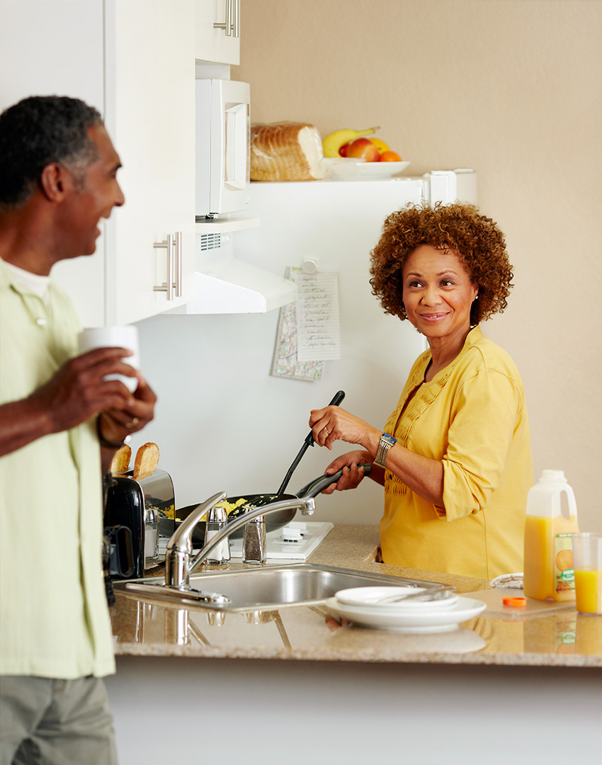 220699_ZM_Kitchen_CoupleCooking_124.jpg